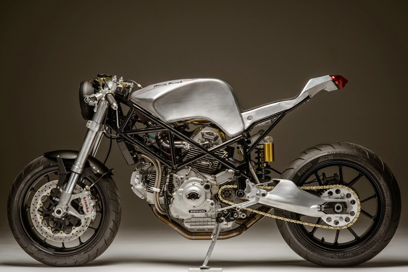 Racing Cafè: Ducati 900 SS by Atom Bomb Custom Motorcycles