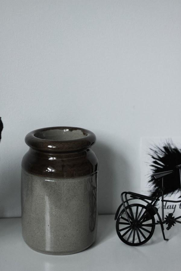 syltburk loppis, svart cykel, svarta och vita prints, diy