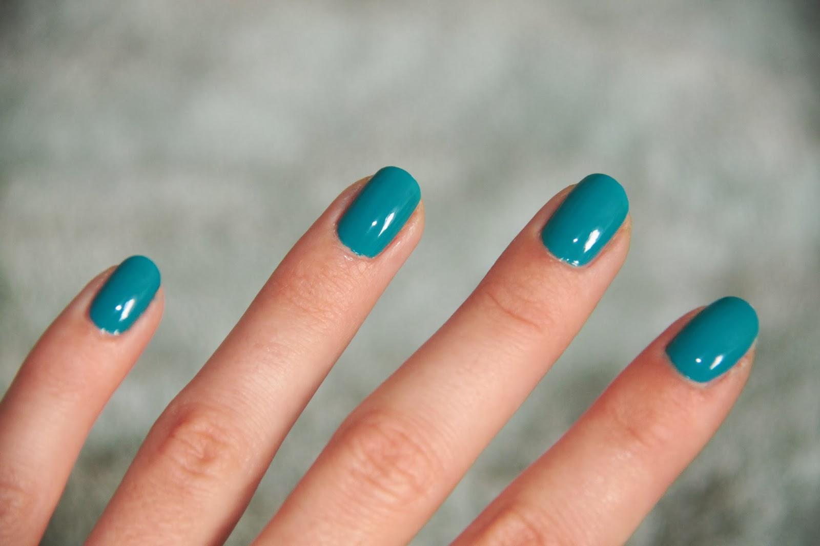 Vernis Kiko bleu 341 Cobalt Green nail art stamping