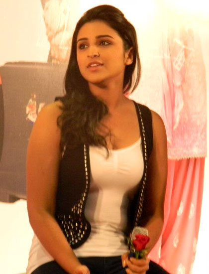 Ishaqzaade movie heroine parineeti chopra photos9