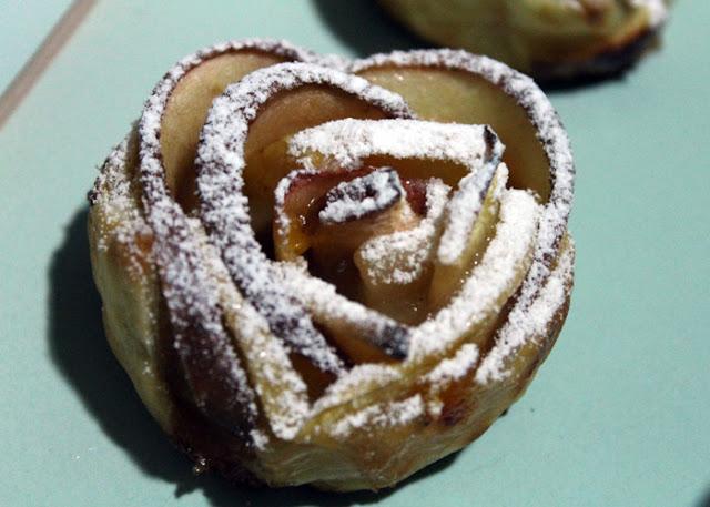 rosas-de-hojaldre-y-manzana.jpg
