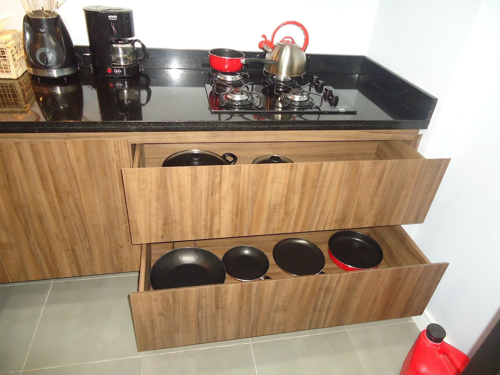 Móveis RF: Cozinha completa em Mdf (ameixa negra) e (preto textura  #BD0E15 1600 1200