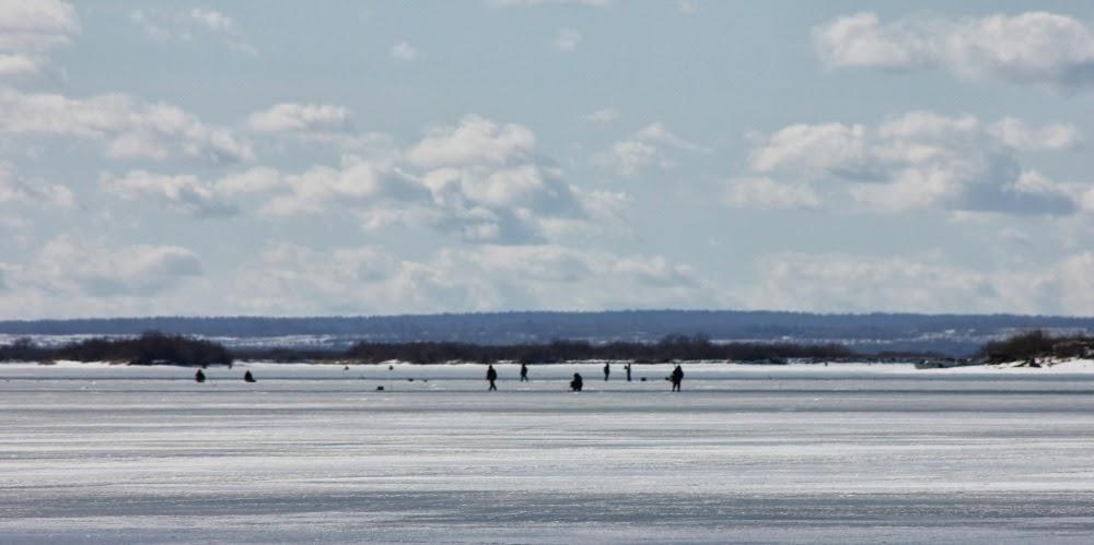 Виден противоположный берег Кубенского озера. Снимал из Устья