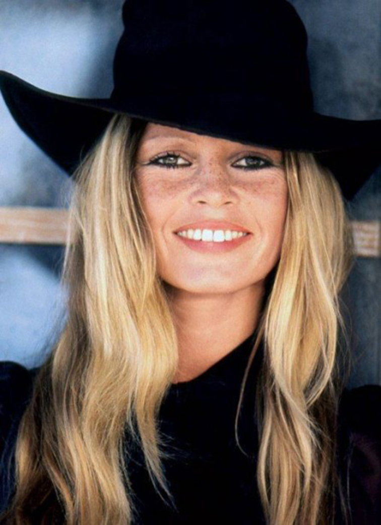 Brigitte Bardot photographed by Leonard De Raemy, 1973, muse, icon, legend, freckles, blonde bombshell