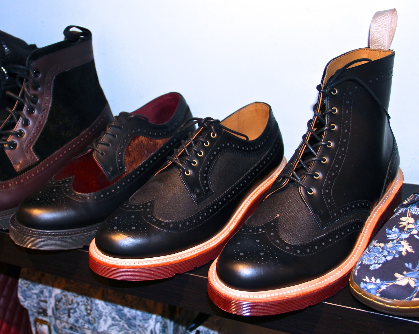 lyra mag dr martens fall 2013 footwear accessories. Black Bedroom Furniture Sets. Home Design Ideas