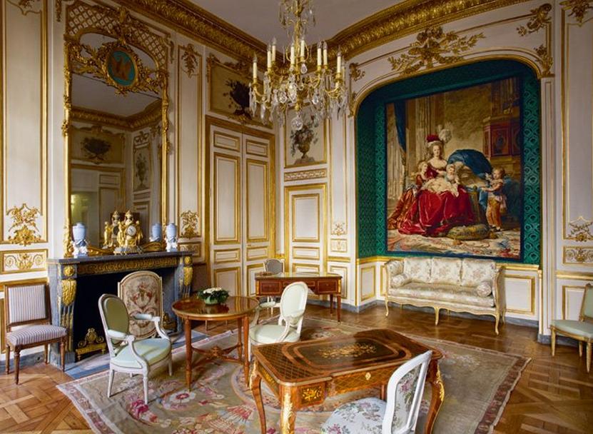 Loveisspeed the h tel de la marine also known as for La maison du lit paris