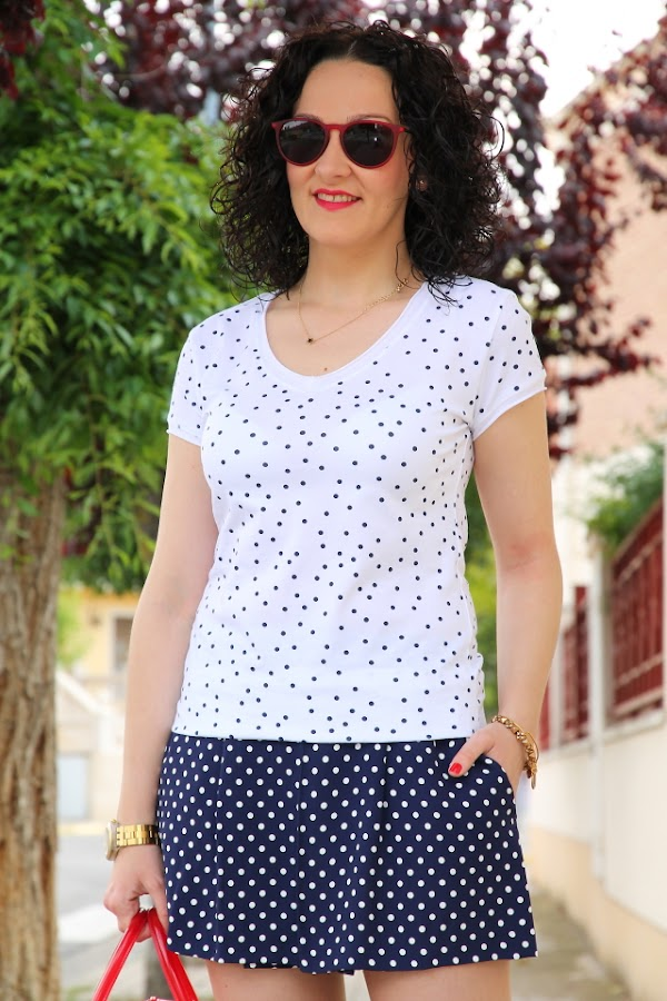 Blue and white polka dots combination