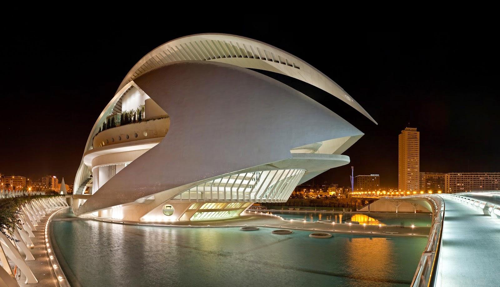 http://commons.wikimedia.org/wiki/File:El_Palau_de_les_Arts_Reina_Sof%C3%ADa,_Valencia_-_Jan_2007.jpg#/media/File:El_Palau_de_les_Arts_Reina_Sof%C3%ADa,_Valencia_-_Jan_2007.jpg