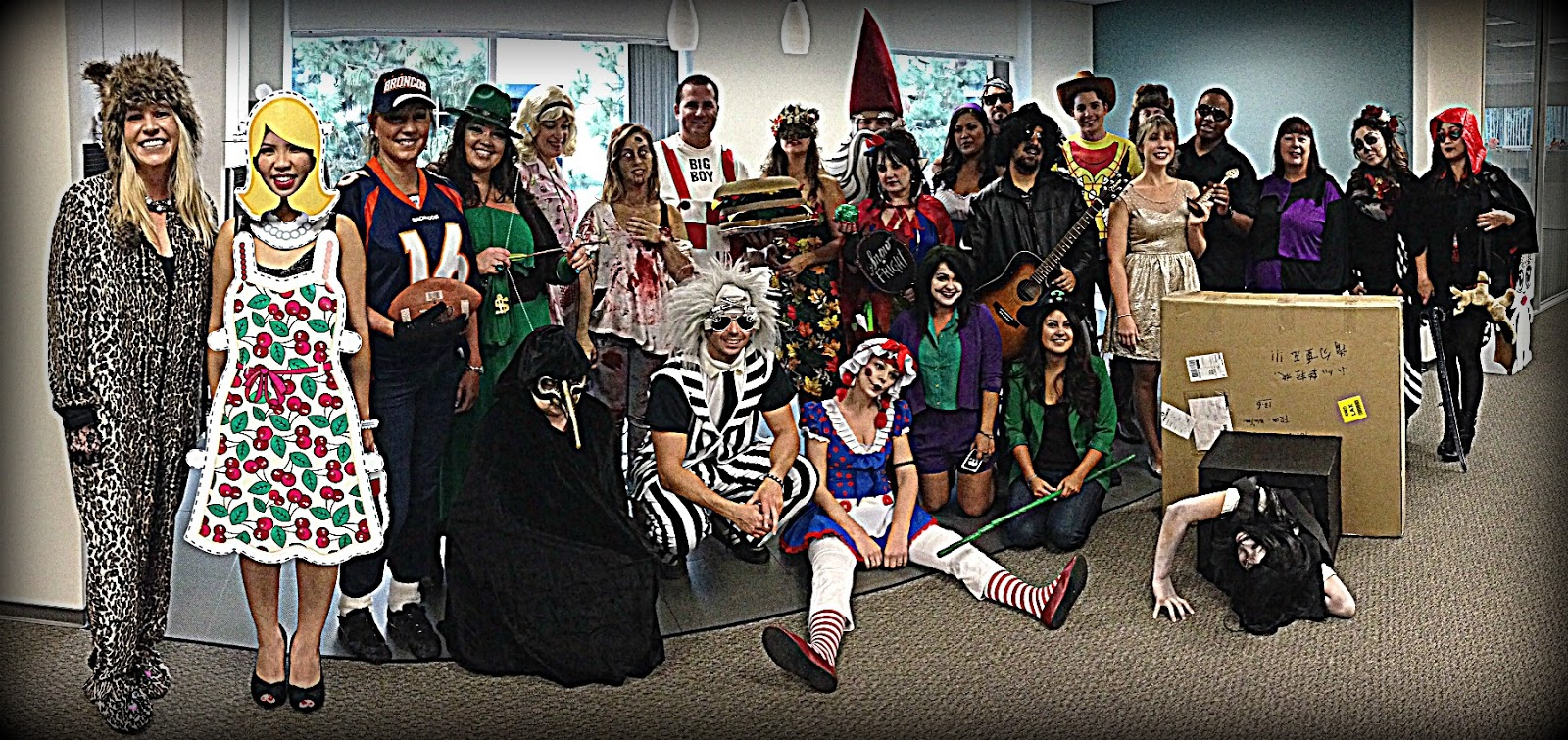 Office halloween costumes - Halloween Wrap Up A Day At The Office In Costume