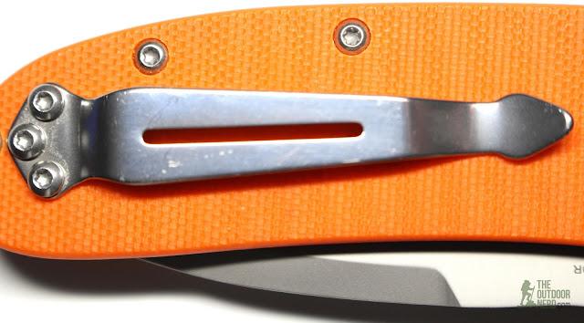 Ganzo G704 - Closeup Of Clip