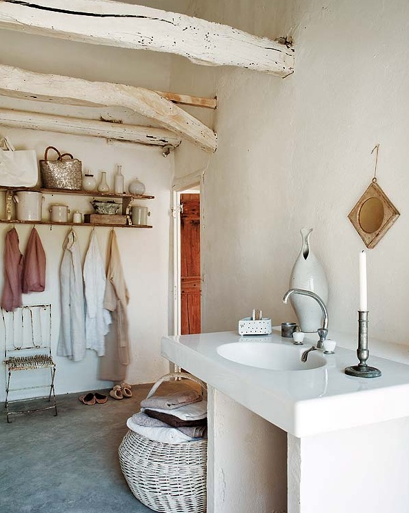 Interiors josephine ryan house in provence - Decoracion estilo shabby chic ...