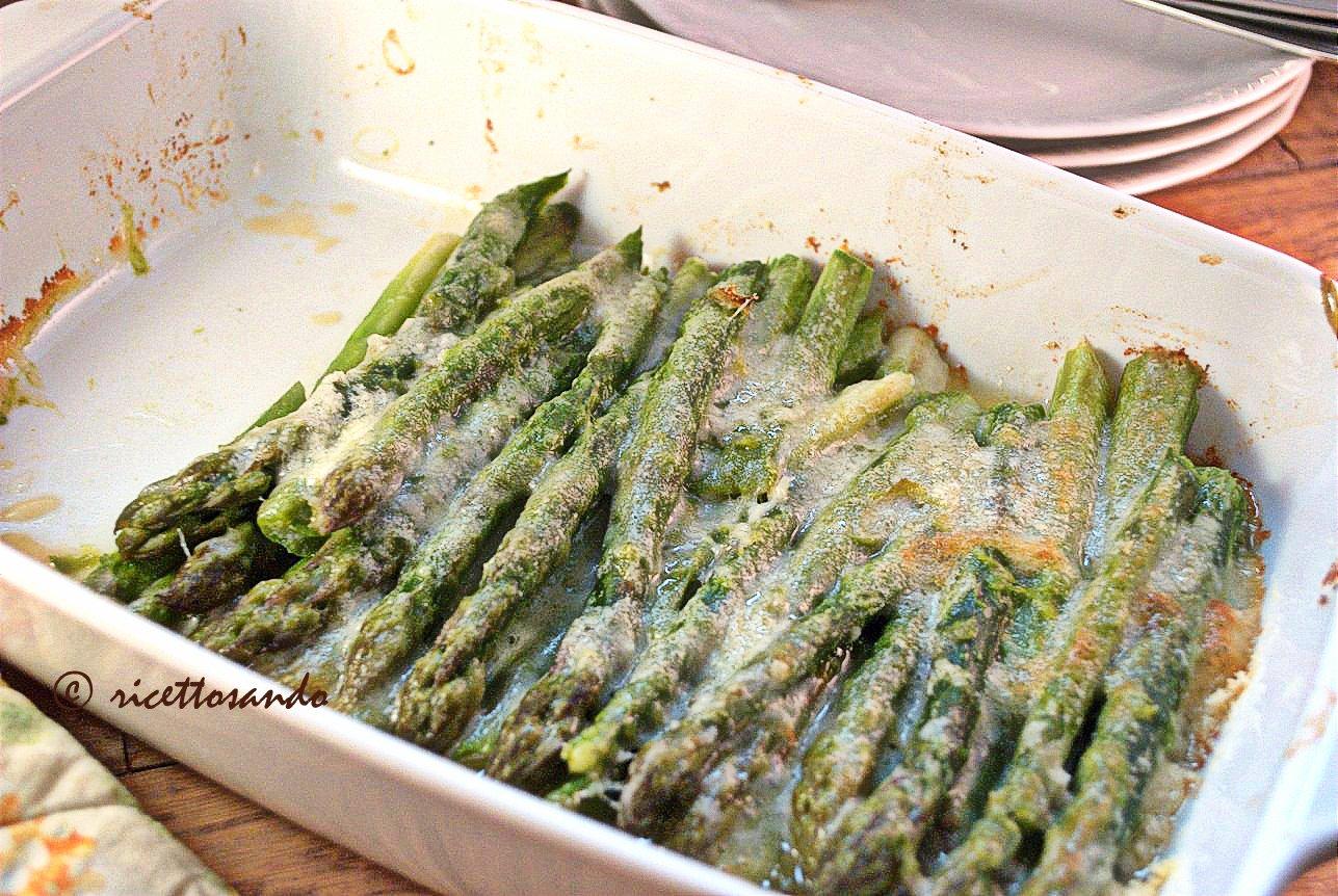 Asparagi al gratin ricetta di verdure gratinate