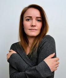 Jenni / 26