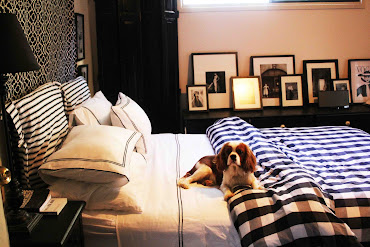 #7 Black Bedroom Design Ideas
