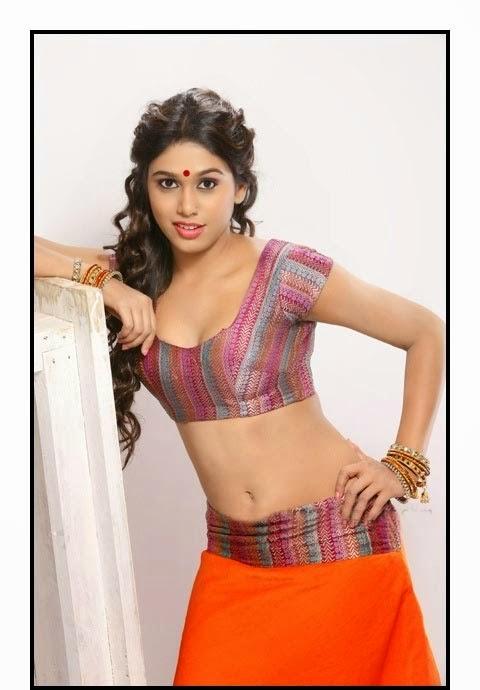 manisha yadav sizzle in short ghagra choli hot cleavage and navel show
