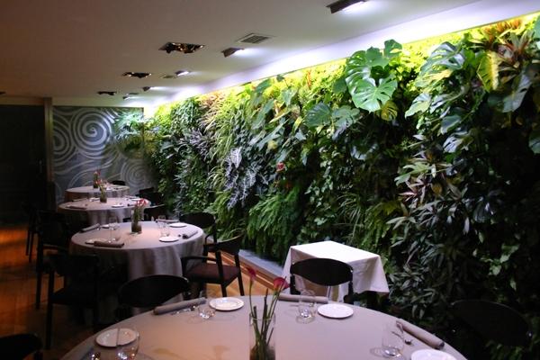 Casa haus english april 2011 for Restaurante casa jardin