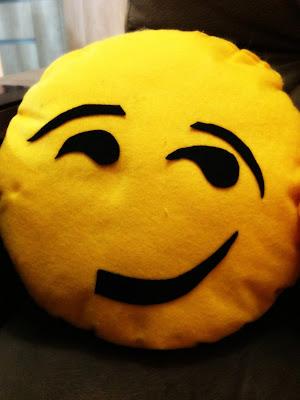 Almofada de Emoji Sarcástico