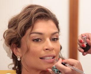 A maquiagem de Ester. Flor do caribe.