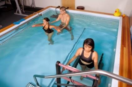 Ejercicios terapéuticos piscina