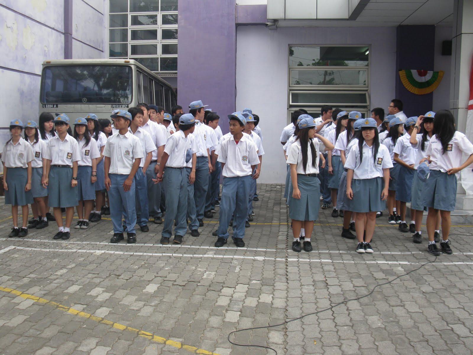 peserta upacara dari sma