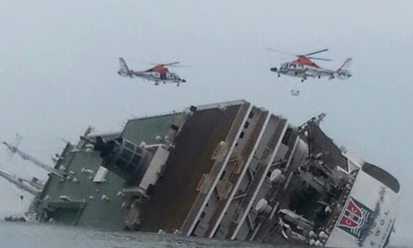 Photo At Least 295 Missing as Ferry Sinks off the Coast of South Korea