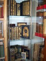 Mlle A. Celliez : Les Reines de France et d'ailleurs habillées de jolies percalines dorées... dans Bibliophilie, imprimés anciens, incunables Cart%2Brom%2Bles%2Breines%2B012