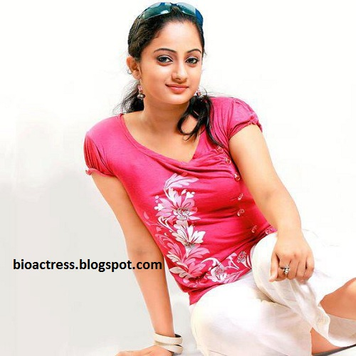 Namitha Pramod navel and cleavage show