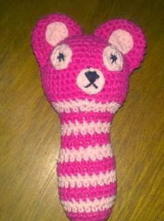 http://crocheteandoconimaginacion.blogspot.com.es/2014/02/sonajero-amigurumi.html