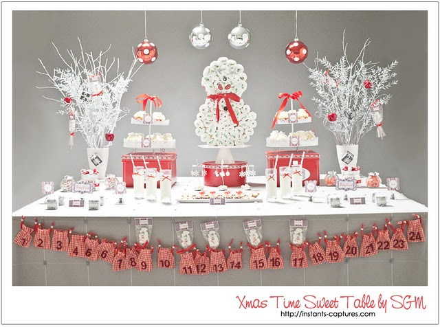 how cute is this snowy setup i love the idea of an advent garland