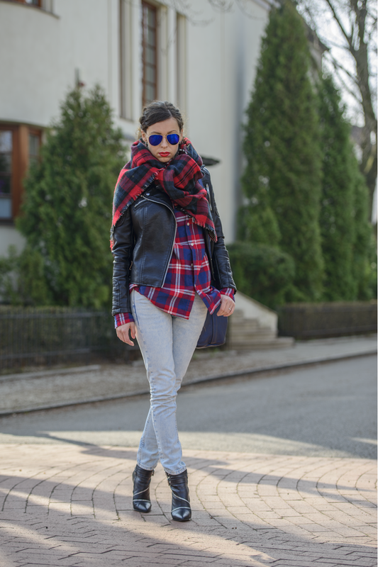 checkered shirt street style
