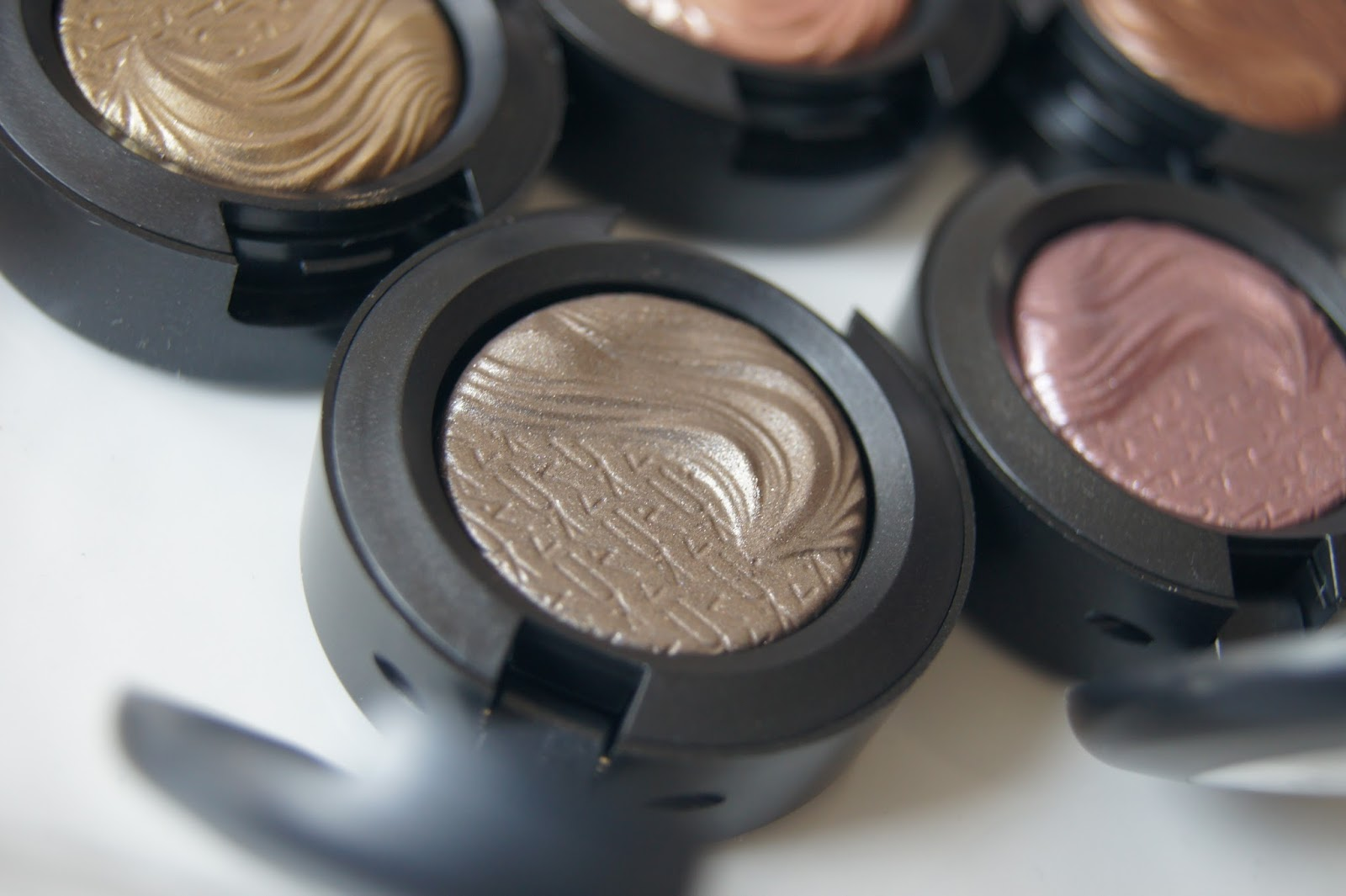 MAC Extra Dimension eyeshadow review