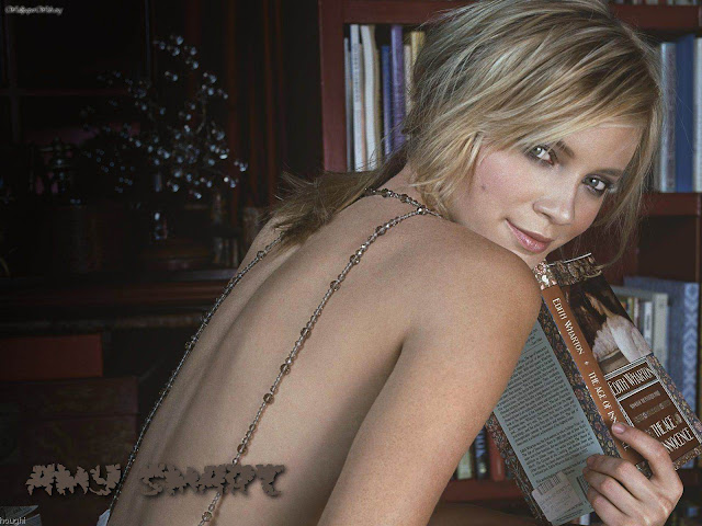 American  Actress Amy Smart Biography and new photos 2011