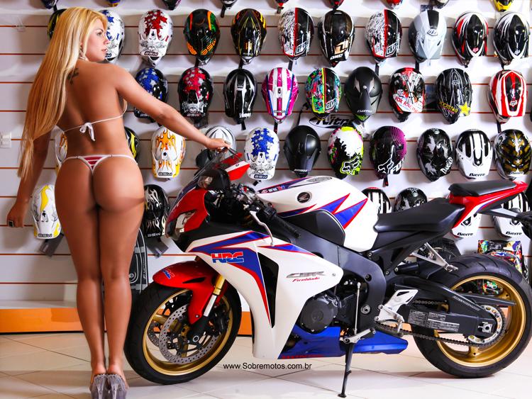 Sandra Fernandes na Moto, Sandrinha Barbie na moto, Mulheres loiras de moto, loira gostosa, blond babes on bike, Blond Women on bike