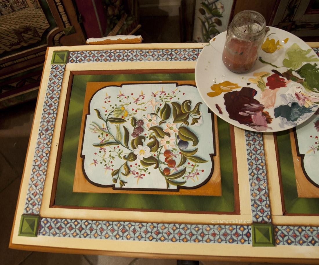 The ornamentalist studio visit atelier peinture sur bois for Peinture sur bois