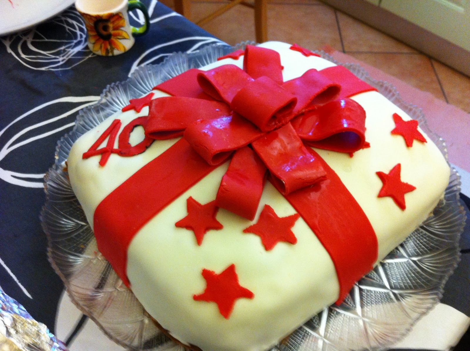 Not only sweet: torta pacco regalo