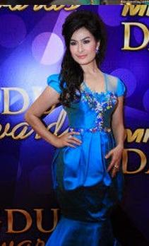 Kumpulan Foto Hot Cantik Iis Dahlia Bugil Telanjang Terbaru