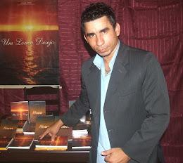 Escritor Joabe Reis Apresentando os seus Livros