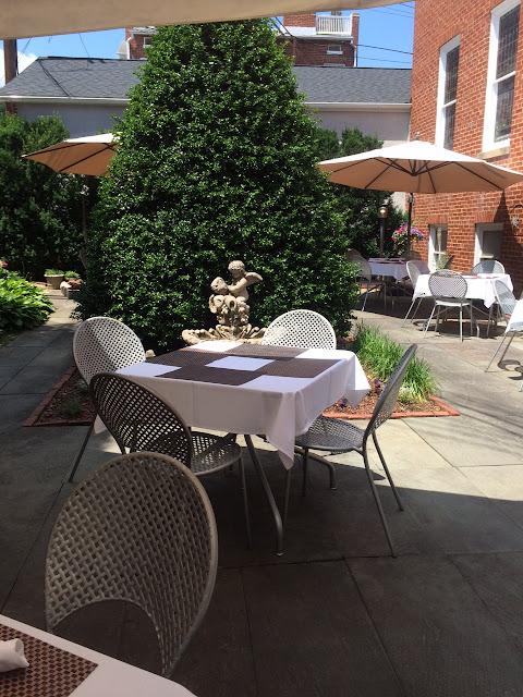 reina restaurant frederick maryland review patio