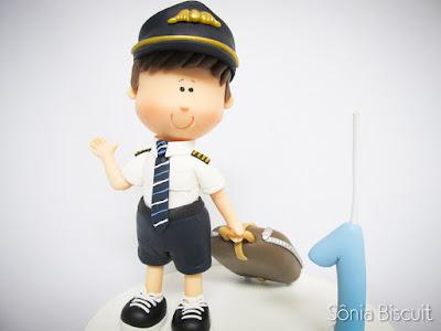 Menininho, Biscuit, Aviador, Comandante, Um Aninho, Topo de Bolo