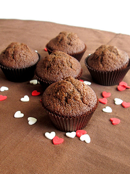 Spiced chocolate muffin tinascookings.blogspot.com