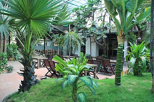 Sân vườn Nhà hàng Hàn Quốc Suraon Thủ Đức