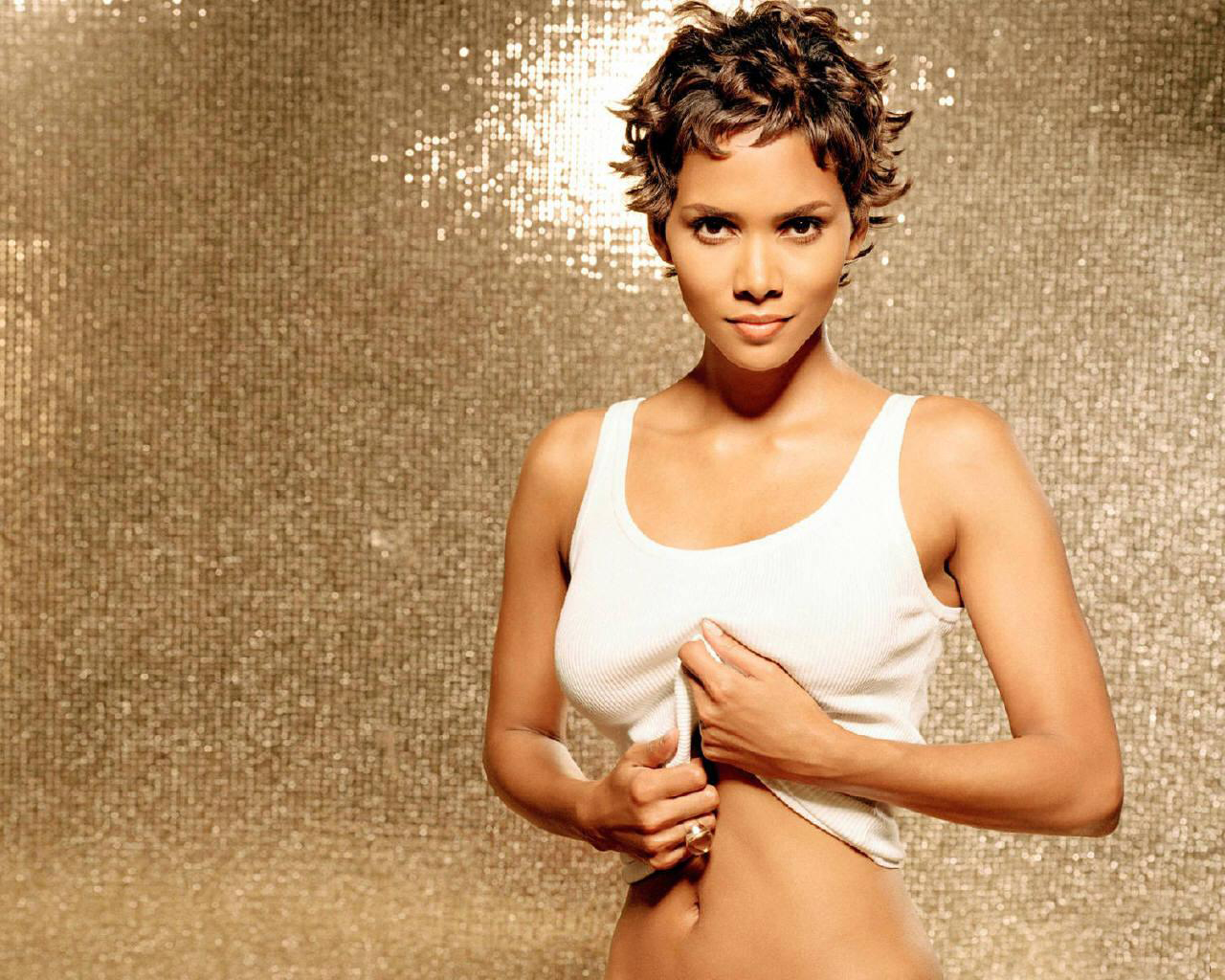 Halle Berry New Hot HD... Halle Berry