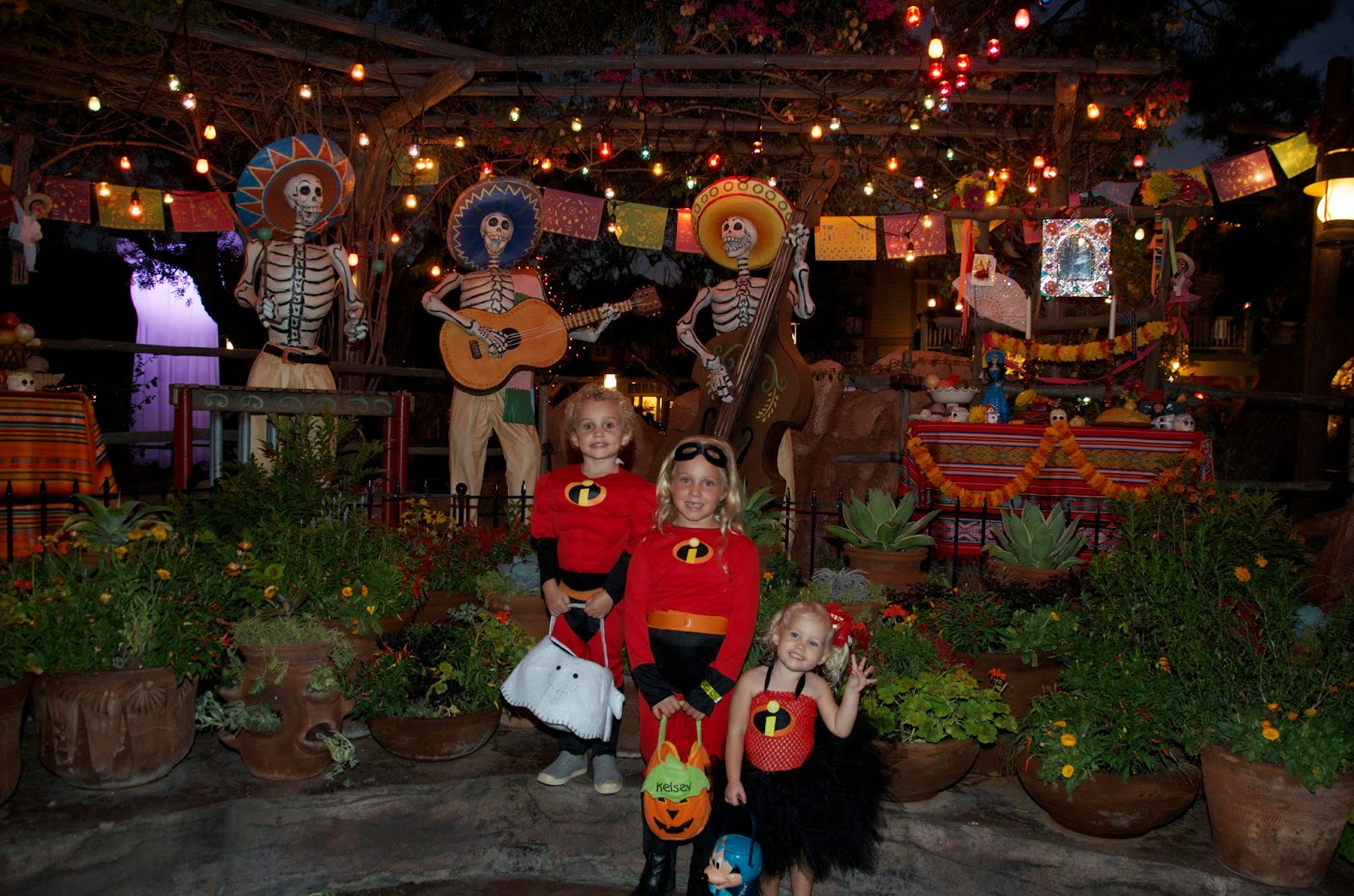Anaheim Castle House Blog: Mickey's Halloween Party at Disneyland ...