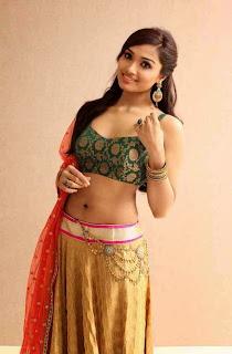 Actress Aishwarya Devan New  Picture Shoot Stills005.jpg