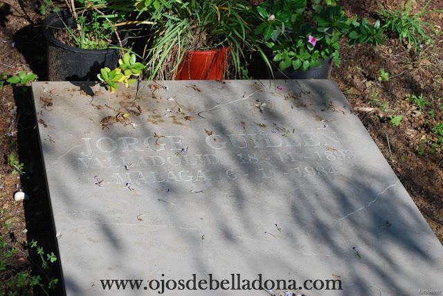 Tumba de Jorge Guillén Cementerio inglés de Málaga