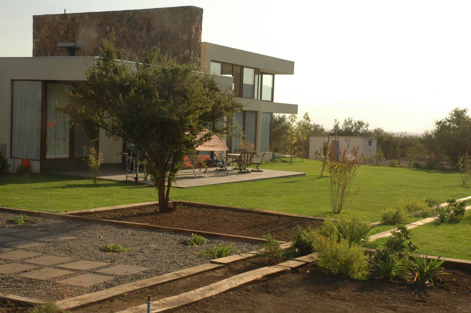 Jardin familia devandas francisco silva claudio pezzani for Arquitectura de jardines