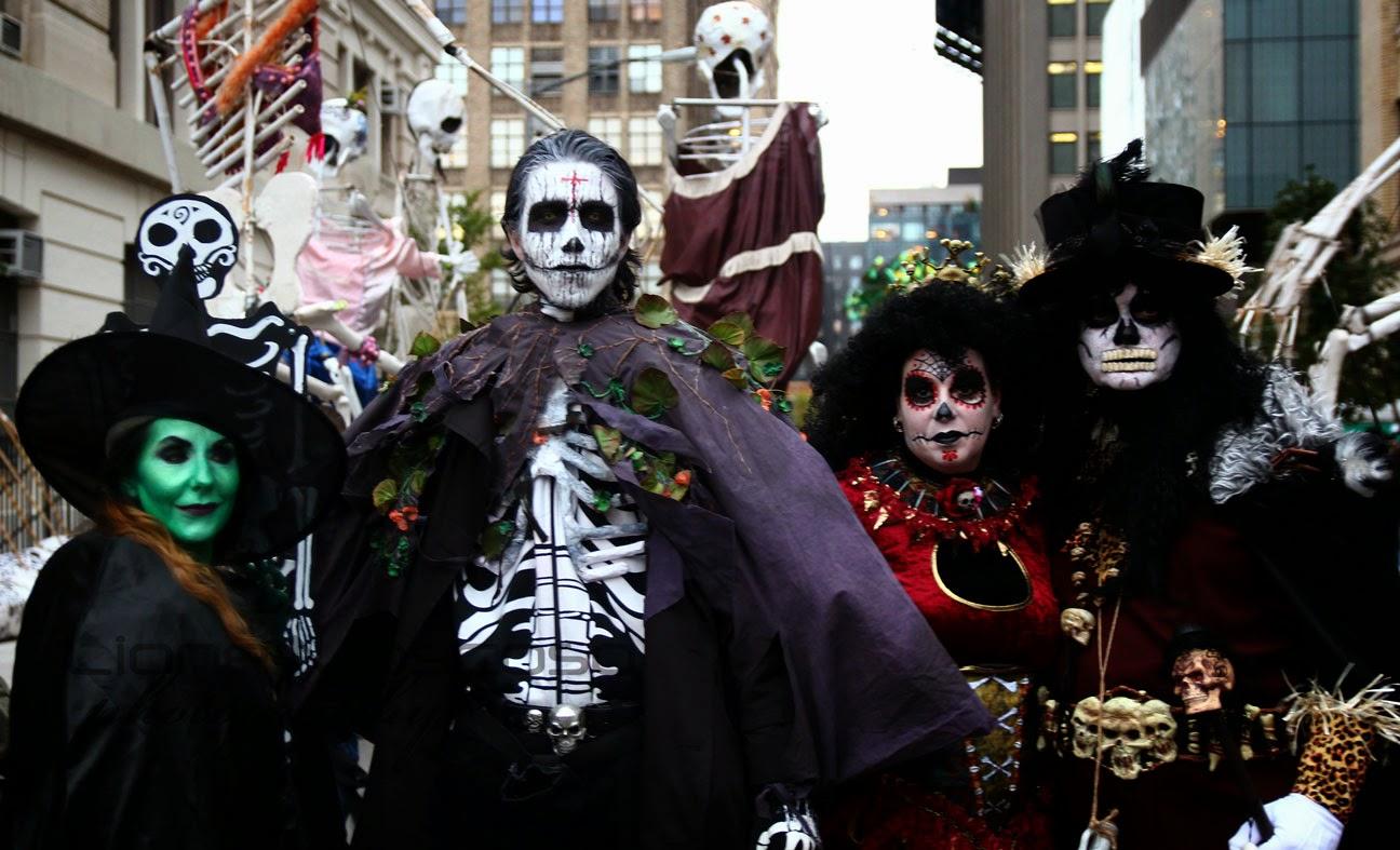 desfile de Halloween de la ciudad de Nueva York  bajo Manhatta