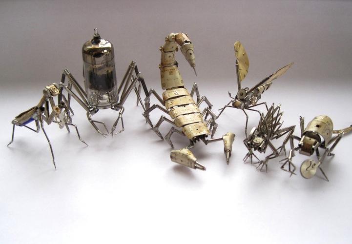 Insectos robot hechos con material reciclado.   Quiero más diseño