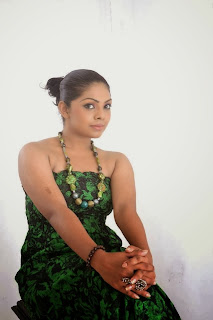 tele drama actress Nirosha Thalagala