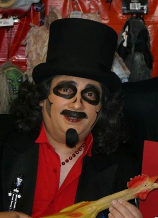 Svengoolie without makeup